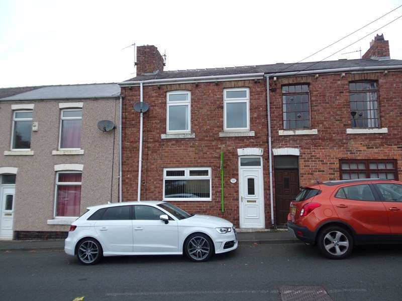 3 Bedrooms Property for sale in Station Road, Houghton Le Spring, Houghton Le Spring, Tyne and Wear, DH4 5AH
