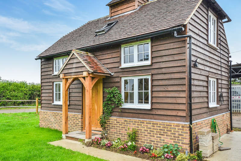 2 Bedrooms Cottage House for rent in Newdigate, Dorking