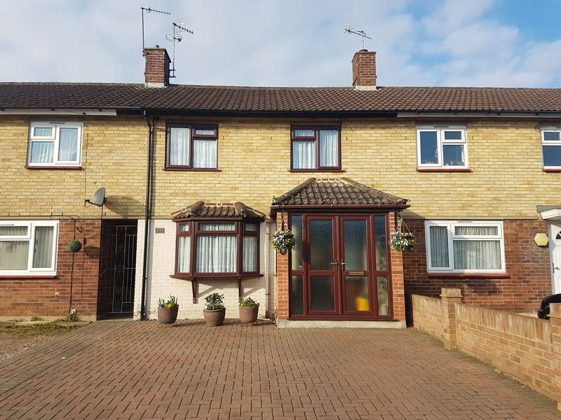 3 Bedrooms Terraced House for sale in The Phillipers, Garston Watford