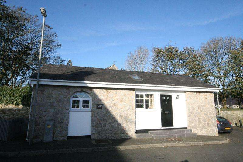 2 Bedrooms Detached Bungalow for sale in Llanerchymedd, Anglesey