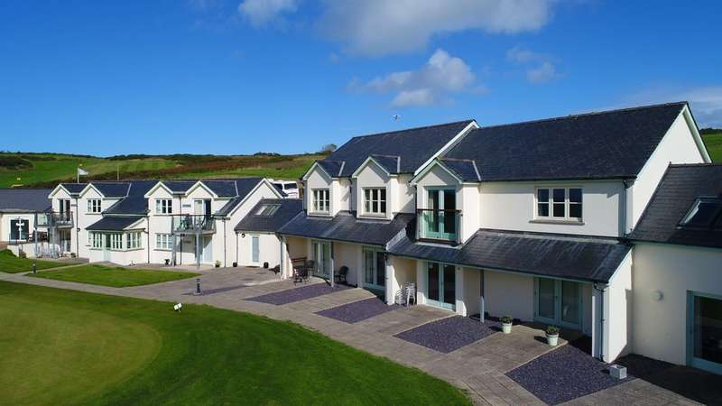Studio Flat for sale in Newport Links Golf Resort, Newport