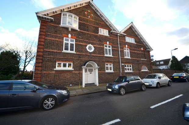 2 Bedrooms Apartment Flat for rent in Drewstead Road, Streatham Hill, SW16