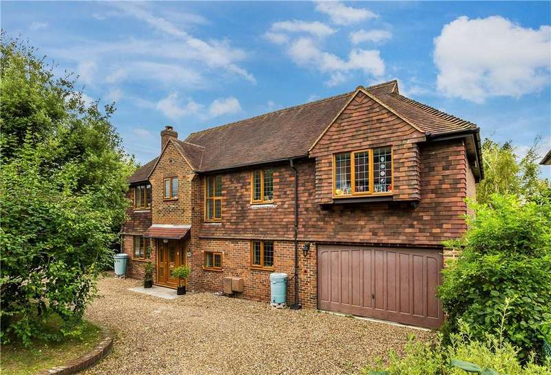 5 Bedrooms Detached House for sale in Gateways, Guildford, Surrey, GU1