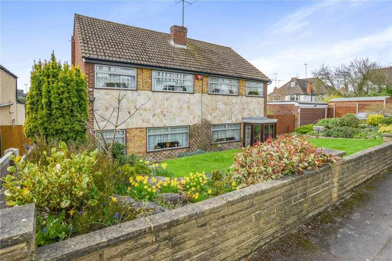3 Bedrooms Detached House for sale in Silverdale Road, Bushey, Hertfordshire, WD23