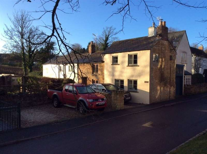 3 Bedrooms Cottage House for rent in Park Road, Chipping Campden, Gloucestershire, GL55 6EB