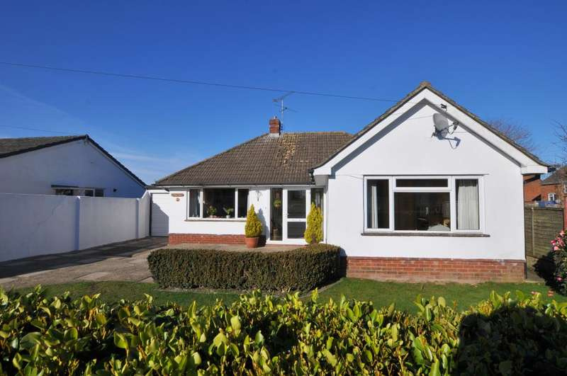3 Bedrooms Detached Bungalow for sale in Ringwood, BH24 1UZ