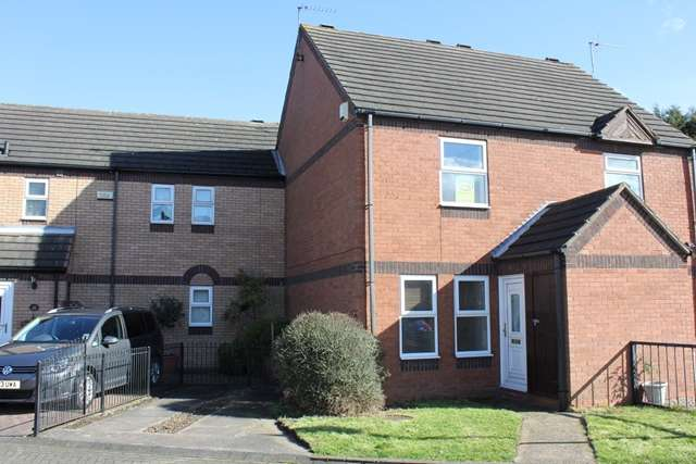 2 Bedrooms Mews House for rent in 30 The Mews, Coltman Street, Hull HU3 2SZ. Two bedroom linked mews style house.