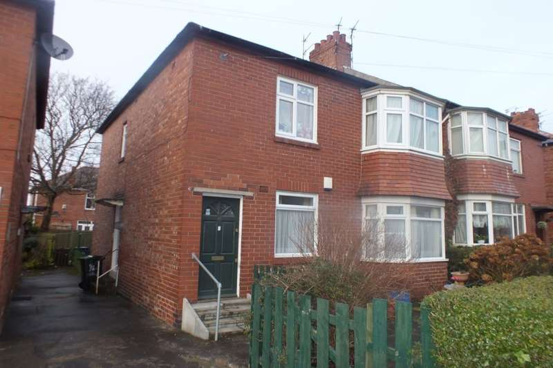 3 Bedrooms Flat for sale in Bavington Drive, Newcastle Upon Tyne, NE5