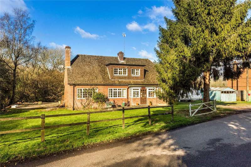 3 Bedrooms Detached House for sale in The Slade, Bucklebury, Reading, Berkshire, RG7