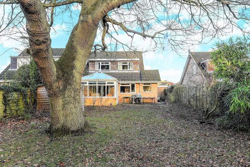 4 Bedrooms Detached House for sale in Longbridge Road, Bramley, Tadley, RG26