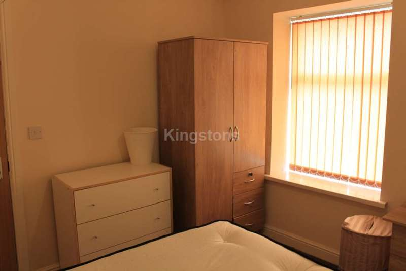 6 Bedrooms Terraced House for rent in Richard Street, Cathays, CF24 4DB