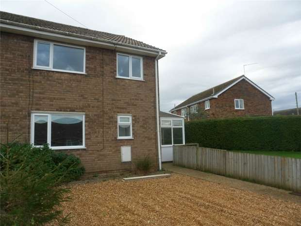 3 Bedrooms Semi Detached House for rent in 88 Town Close, East Winch