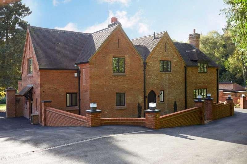 4 Bedrooms Detached House for rent in Callow Hill, Virginia Water, Surrey GU25 4LD