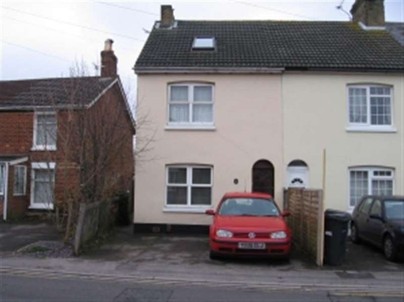 4 Bedrooms House for rent in Canford Road, Wallisdown, Bournemouth, Dorset