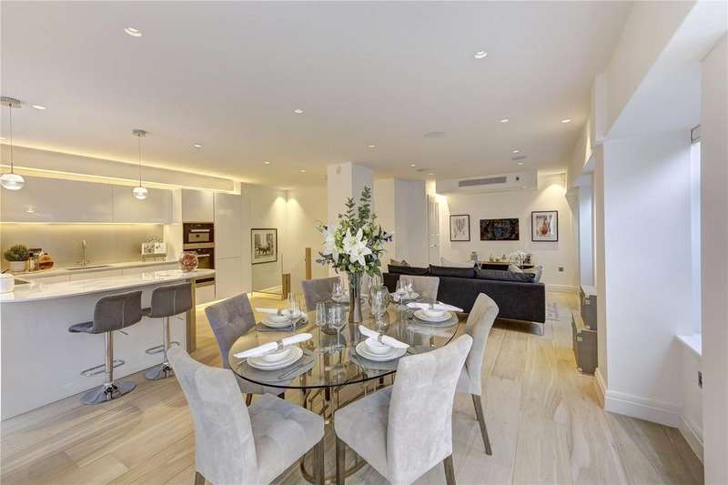 3 Bedrooms Apartment Flat for sale in Cleveland Street, Fitzrovia, W1T