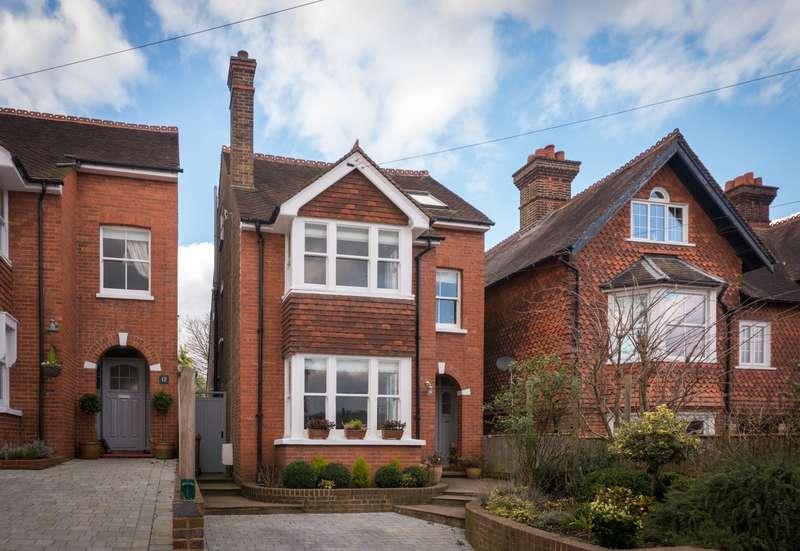 5 Bedrooms House for sale in Ridgeway Rd, RH1 6PH