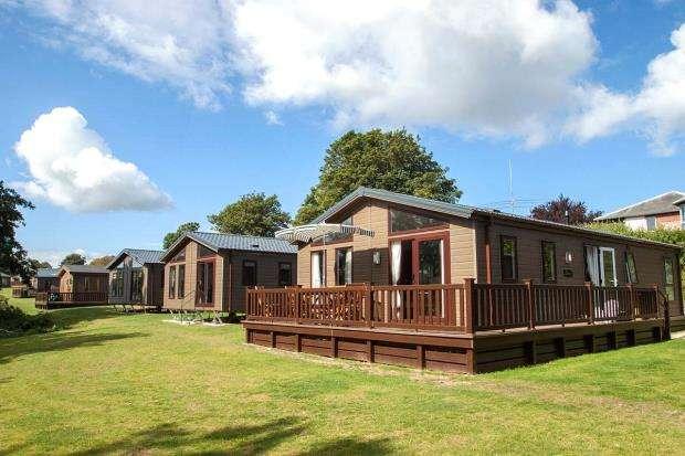 2 Bedrooms Detached Bungalow for sale in Mudstone Lane, Brixham, Devon