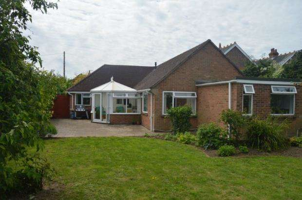 4 Bedrooms Bungalow for sale in Southbourne, Emsworth, Hampshire