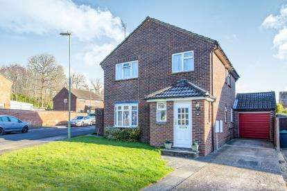 4 Bedrooms Detached House for sale in Waterlooville, ., Hampshire