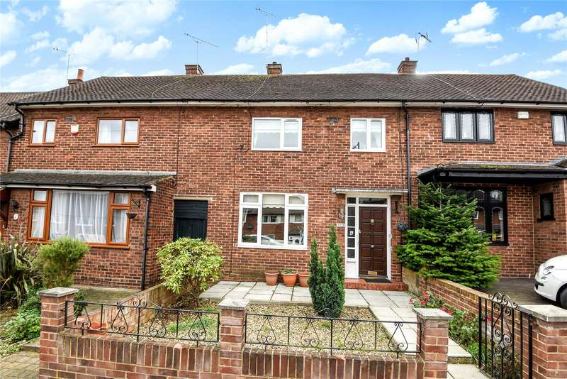 2 Bedrooms Terraced House for sale in Whitehills Road, Loughton, Essex, IG10