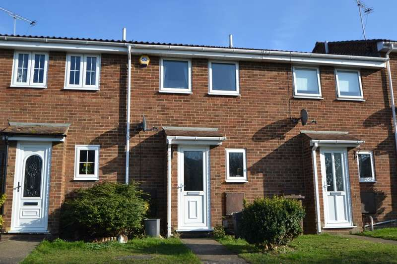 2 Bedrooms Terraced House for sale in Flamingo Close, Walderslade, Chatham, ME5