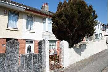 3 Bedrooms Terraced House for sale in Royal Navy Avenue, Keyham PL2 2AN