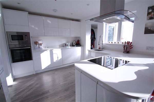 4 Bedrooms Terraced House for sale in Bletchingley