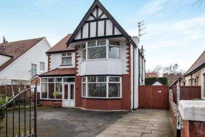 4 Bedrooms Detached House for sale in Falkland Road, Southport, Lancashire, Uk, PR8