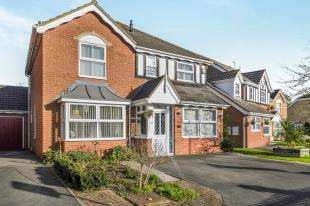 4 Bedrooms Detached House for sale in Chestnut Lane, Kingsnorth, Ashford, Kent
