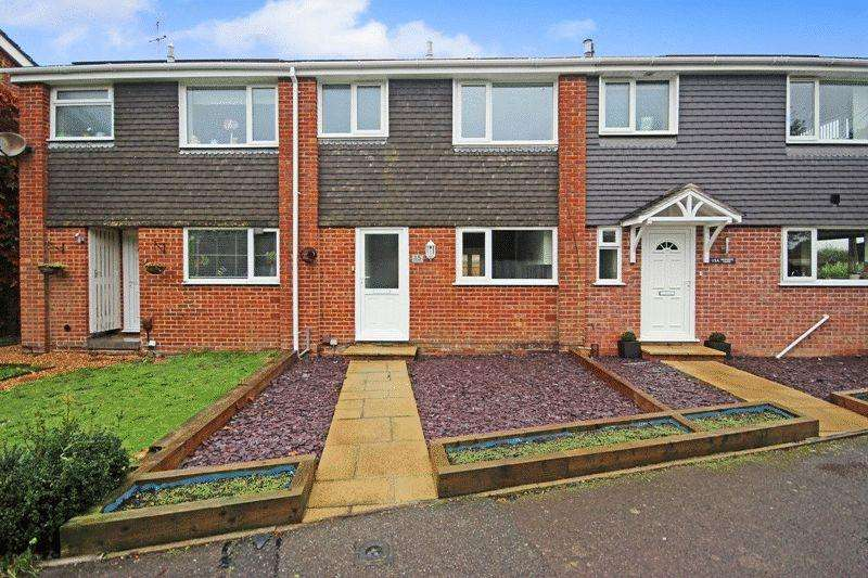 3 Bedrooms Terraced House for sale in BURTON CHRISTCHURCH