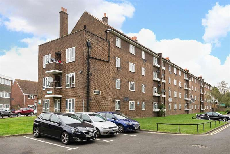 3 Bedrooms Flat for sale in Radnor Road, Peckham, SE15 - In proximity of potential Bakerloo line tube extension