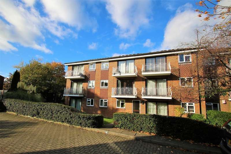 2 Bedrooms Flat for sale in Fleetwood Close, Croydon CR0