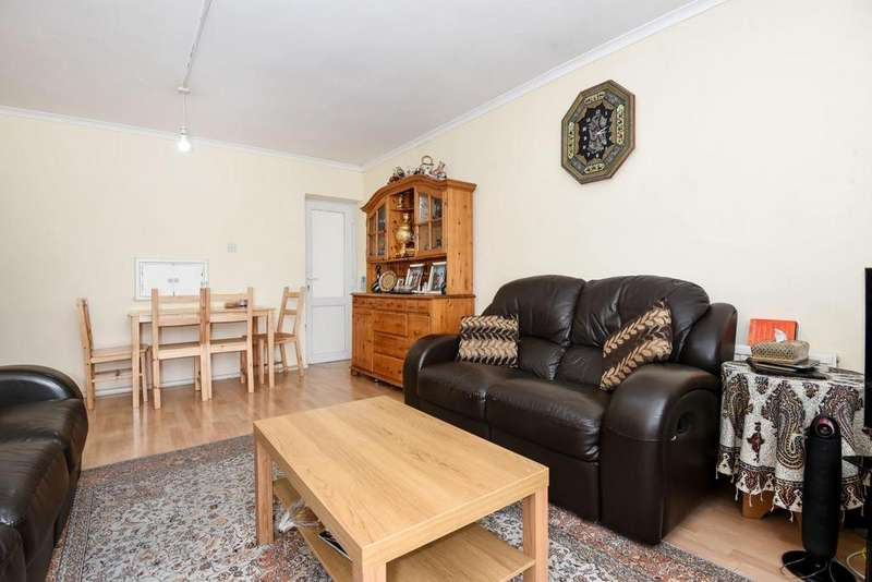 3 Bedrooms Flat for sale in Flora Gardens, Hammersmith