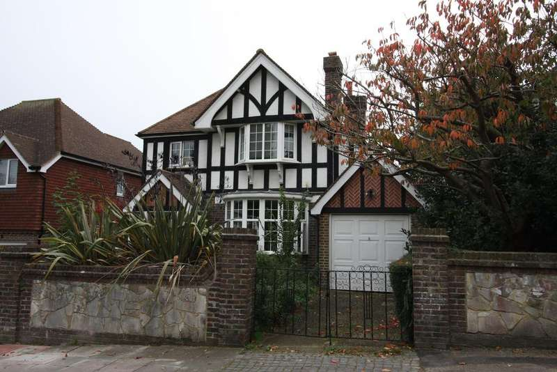 4 Bedrooms Detached House for sale in Prideaux Road, Eastbourne BN21