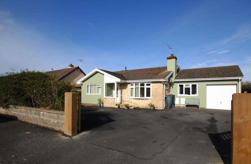 3 Bedrooms Detached Bungalow for sale in Allenstyle Drive, Yelland