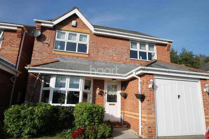 4 Bedrooms Detached House for rent in Priory Way