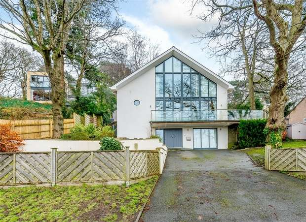 4 Bedrooms Detached House for sale in Brook Lane, Corfe Mullen, Wimborne, Dorset