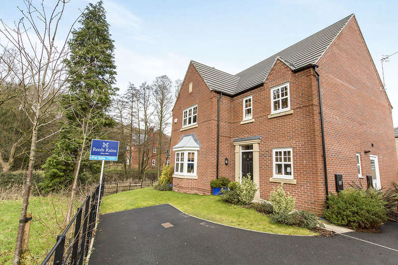 4 Bedrooms Detached House for sale in Parkside Place, Congleton, CW12