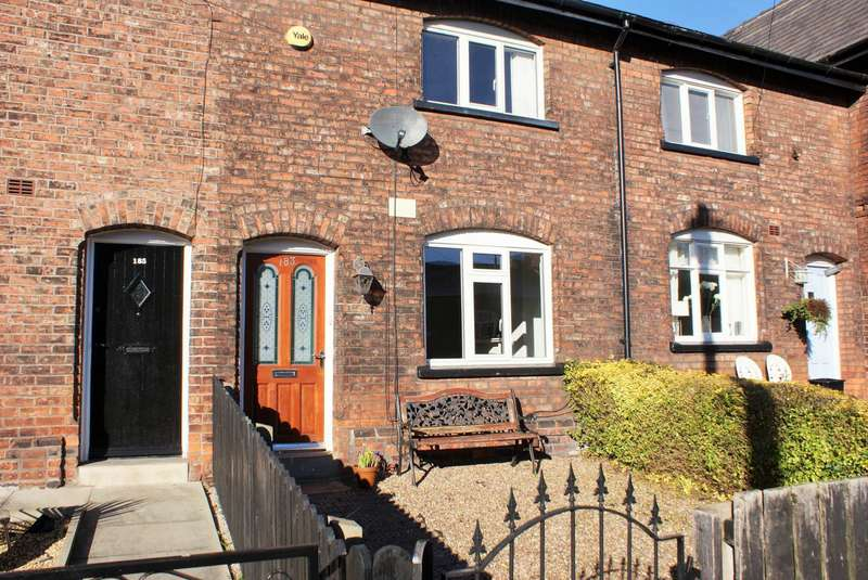 2 Bedrooms Terraced House for sale in Leigh Road, Howe Bridge, Atherton