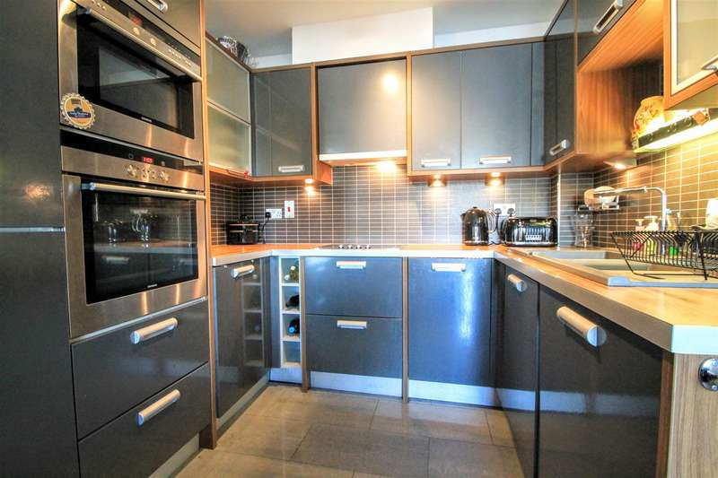 1 Bedroom Apartment Flat for sale in Stuart Street, Cardiff