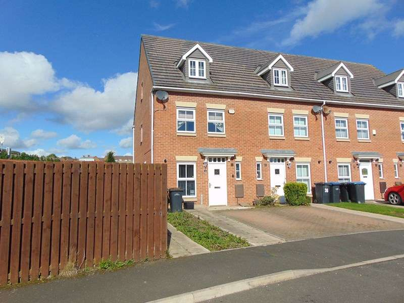 3 Bedrooms Property for sale in St. Andrews Square, Lowland Road, Durham, Durham, DH7 8NU