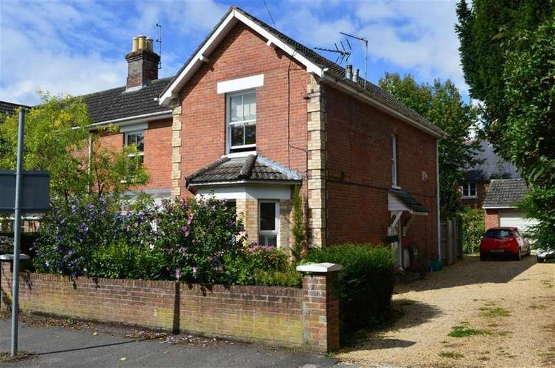 3 Bedrooms Flat for sale in Avenue Road, Wimborne, Dorset