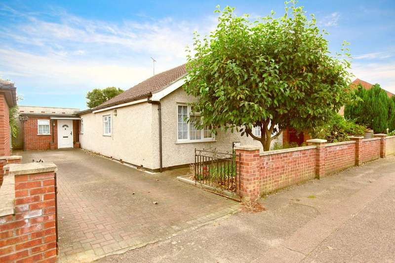 3 Bedrooms Detached Bungalow for sale in Villa Road, Stanway, CO3 0RN