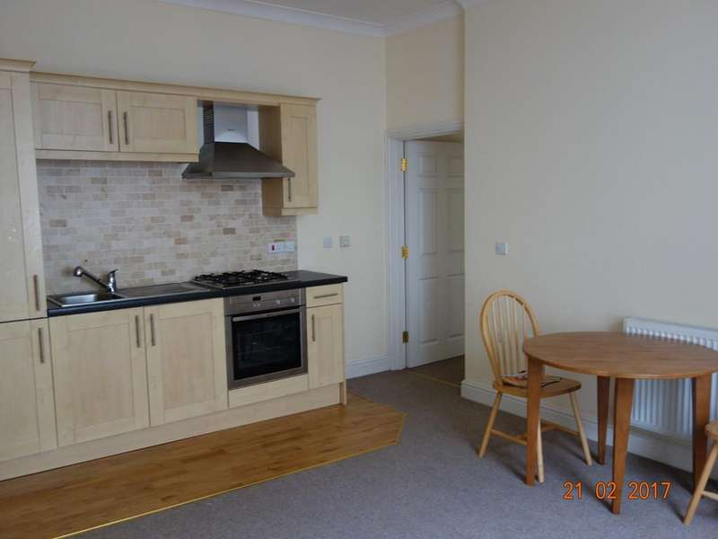 2 Bedrooms Apartment Flat for rent in Kensington House, Flat 1, Haverfordwest. SA61 2BH