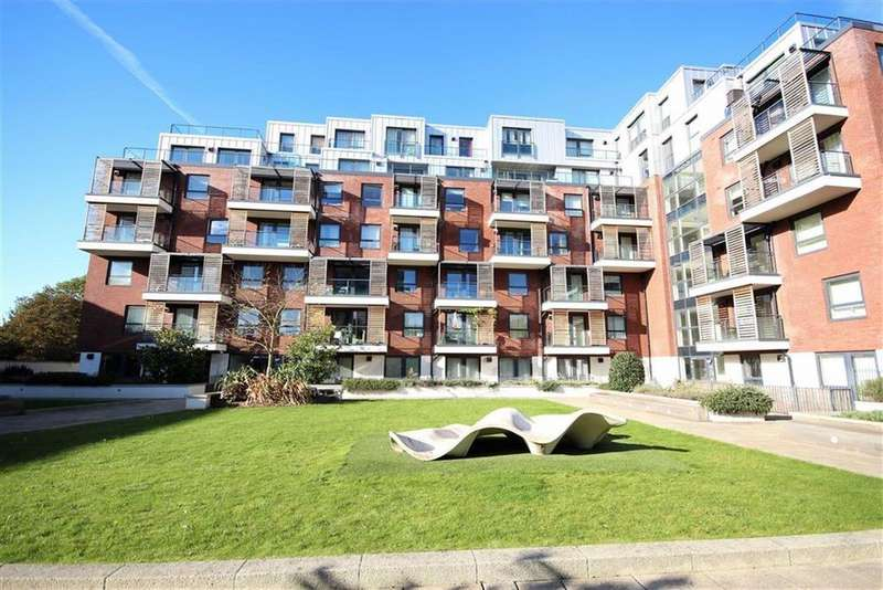 2 Bedrooms Flat for sale in Green Lane, Edgware, Middlesex