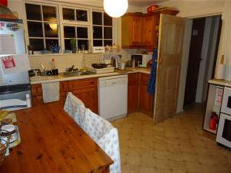 4 Bedrooms House for rent in Melville Road, Winton, Bournemouth, Dorset