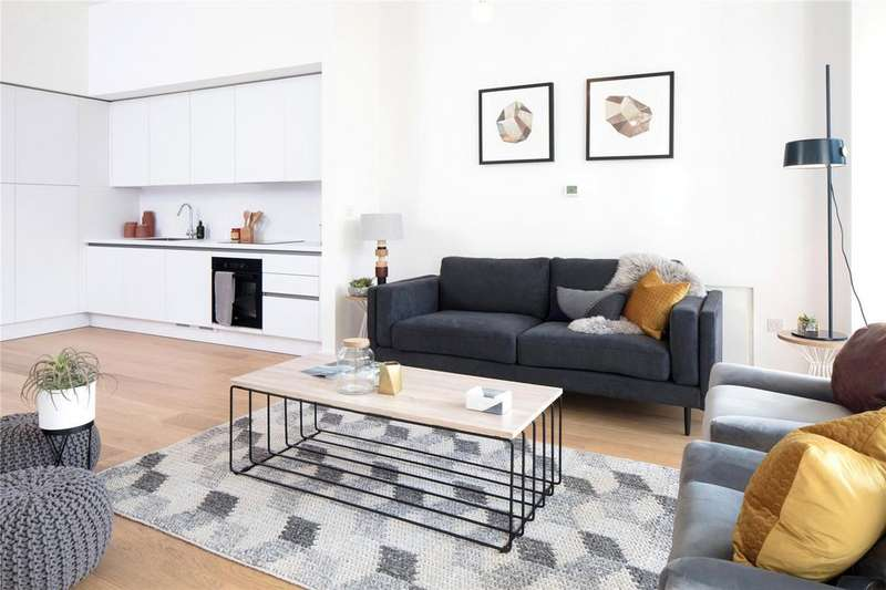 1 Bedroom Flat for sale in Apartment 292, East Wing Lakeshore, Crox Bottom, Bristol, BS13