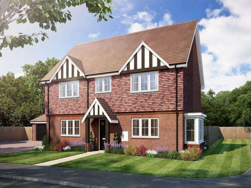 3 Bedrooms Detached House for sale in The Chiddingfold, Amlets Place, Cranleigh