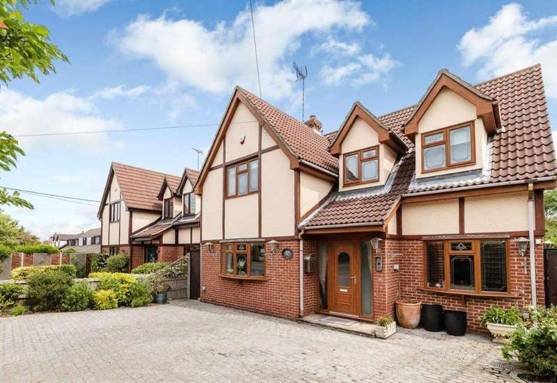 4 Bedrooms Detached House for sale in Gardiners Lane North, Crays Hill, Billericay, Essex, CM11