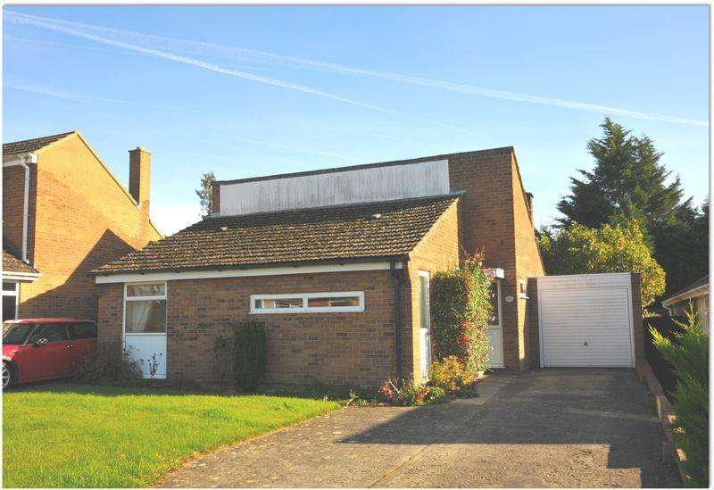 3 Bedrooms Detached Bungalow for sale in Churchill Way, Long Hanborough